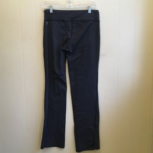 EXCELLENT CONDITION OISELLE LEGGINGS.  SIZE SMALL